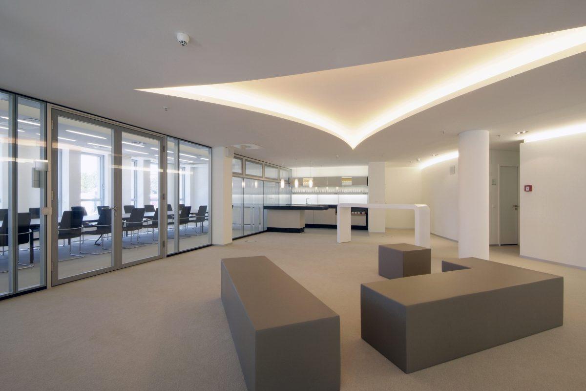 Lounge Bereich und Küche